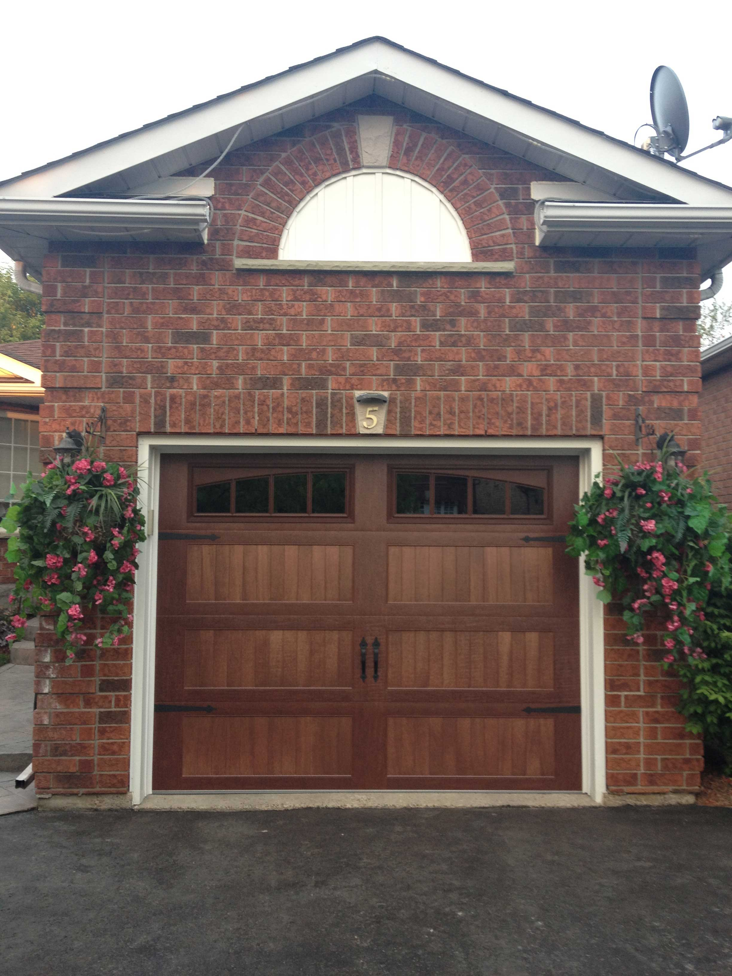 Chi Garage Doors : Sturdi bilt all steel sandwich carriage house
