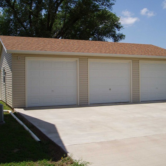 Lap-sided-Garage-(3)