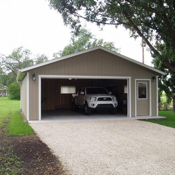 Panel Sided Garage Installed in Kansas