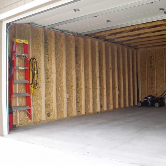 Sturdi-Bilt Installs Metal & Steel Garages on Site in Wichita