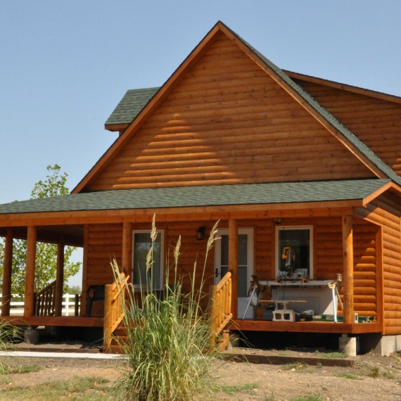 Wrapped-porch-Cabin-(5)