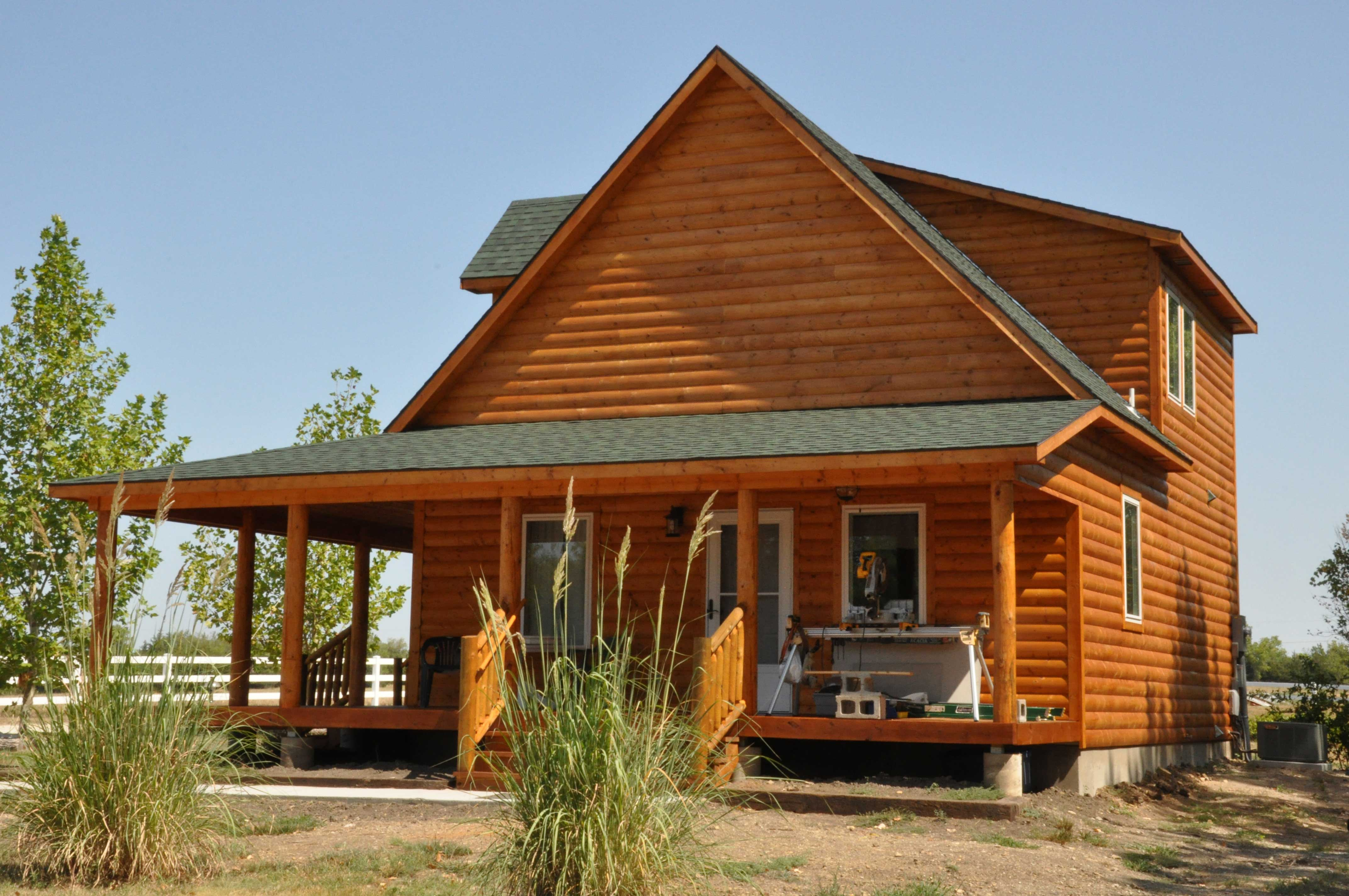 Sturdi Bilt Wrapped Porch Cabins